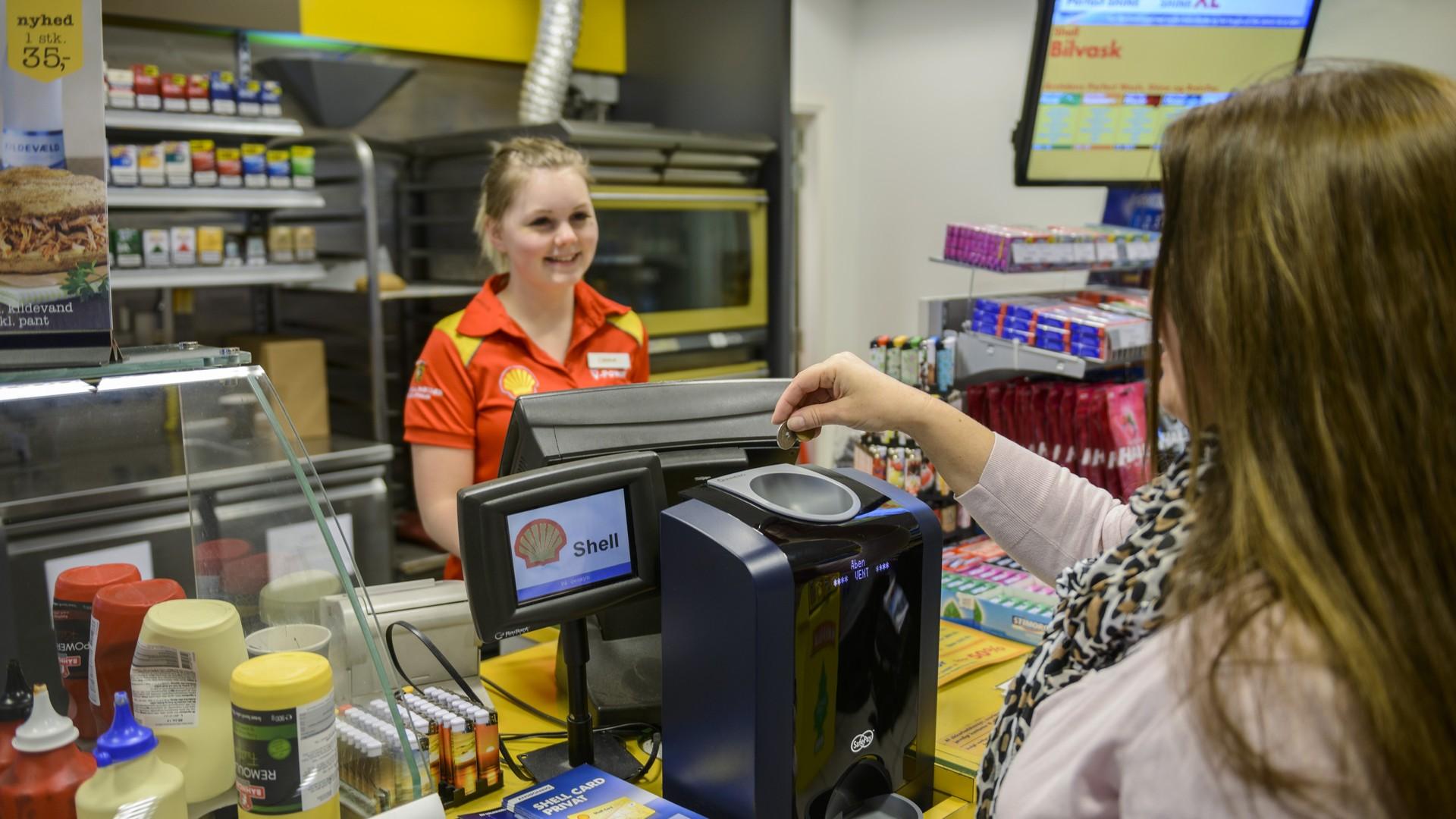 shell gas station safepay cash handling