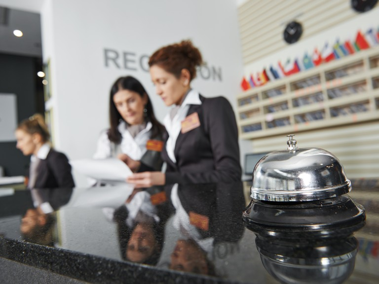 Cash handling in hotels, reception