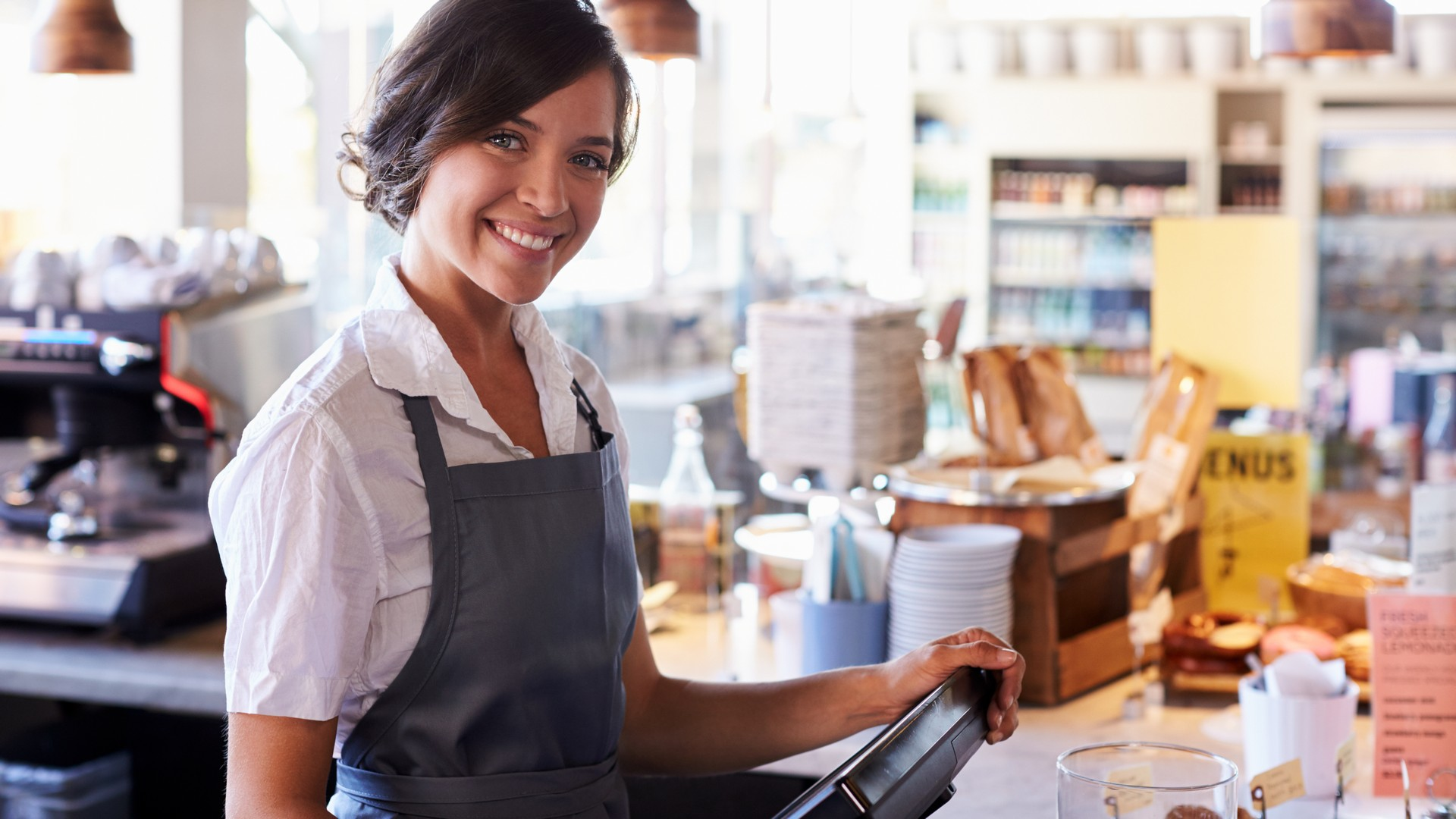 Cash handling retail. Cash deposit