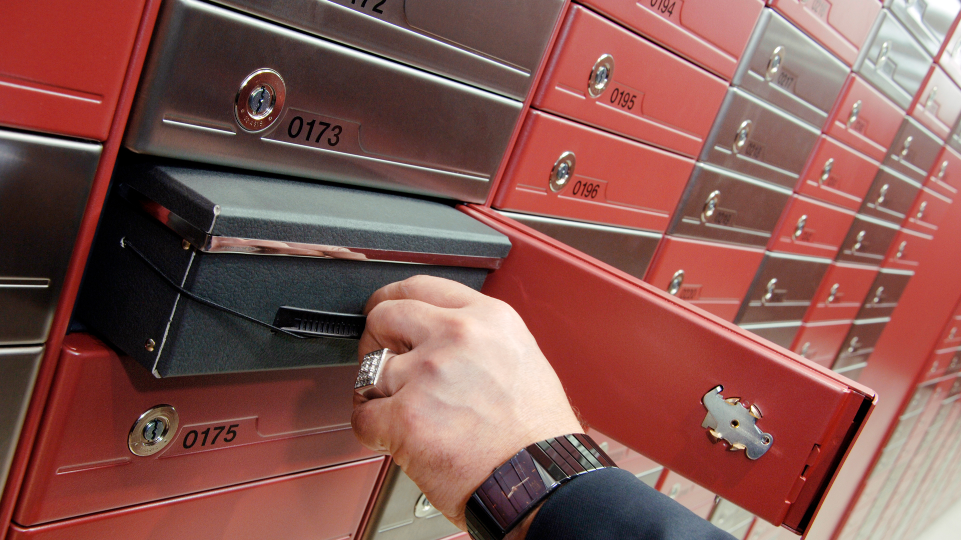 Safes and Vaults