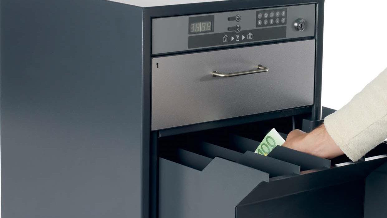 deponeringsskuff til kontanter